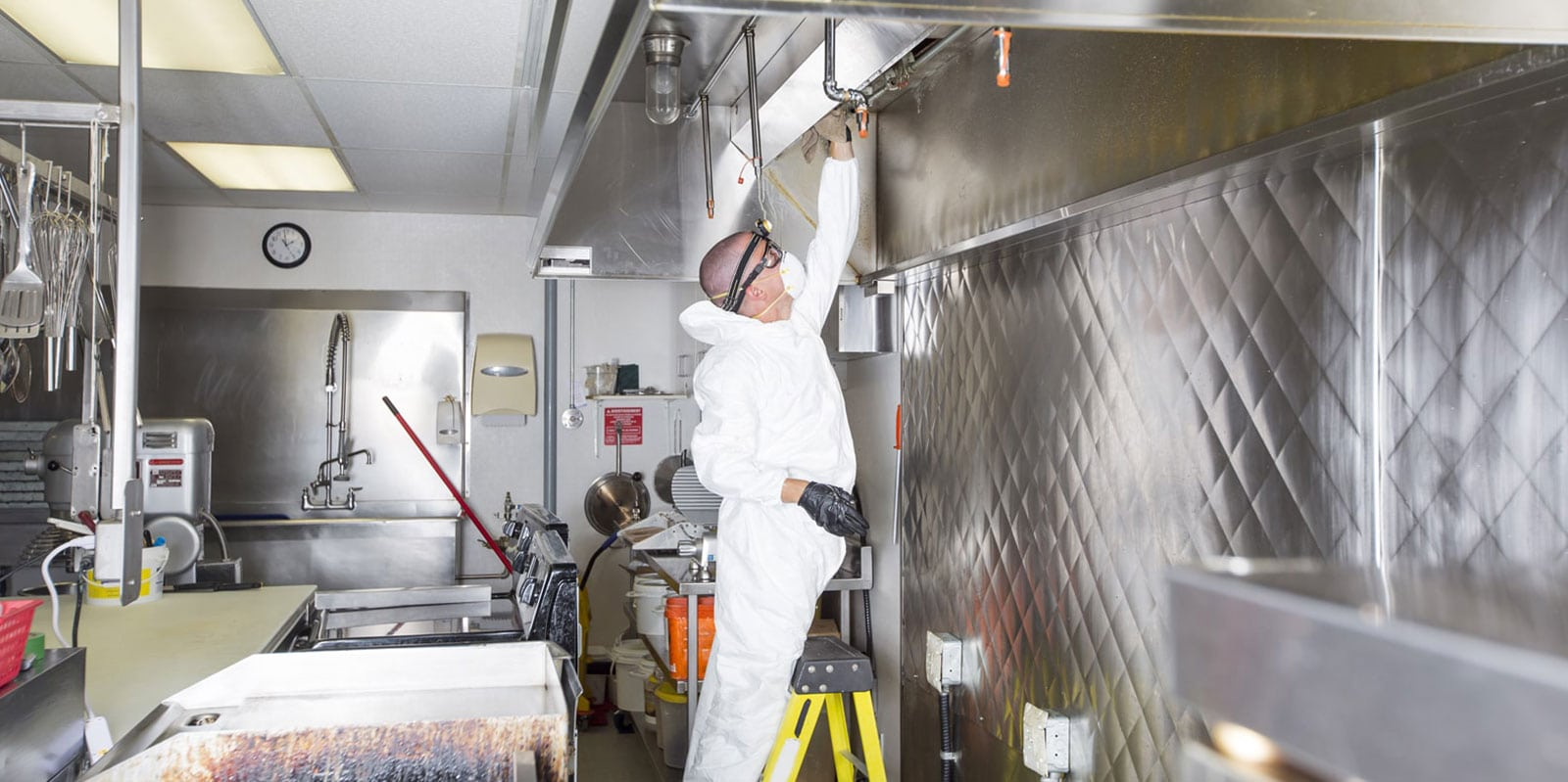 regular commercial kitchen deep cleaning uk